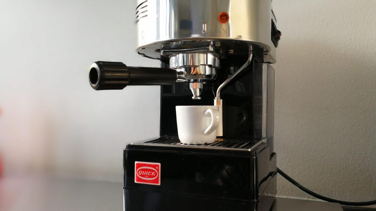 Hedwig - unsere fürsorgliche Kaffeemaschine